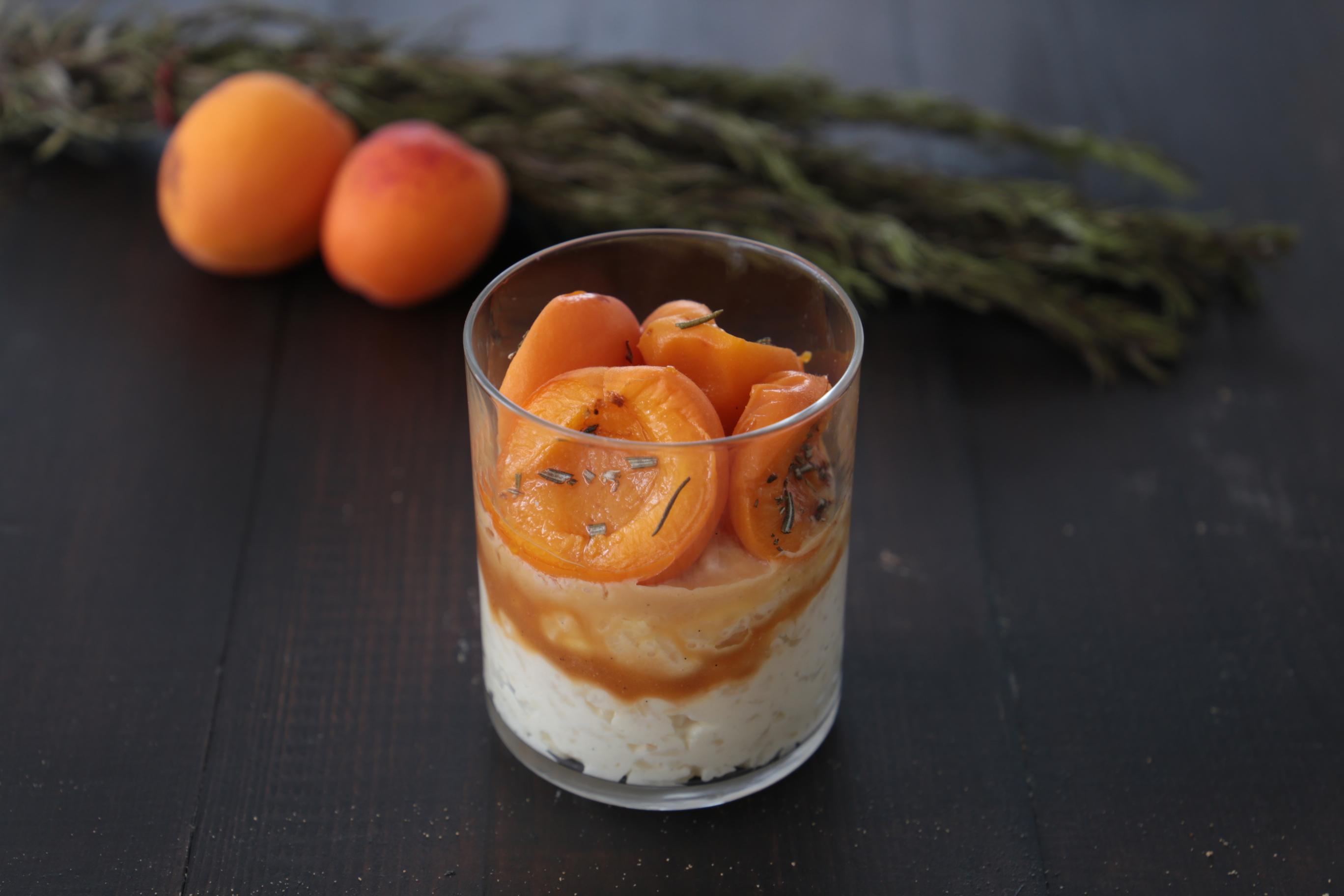 Recette du riz au lait aux abricots rôtis au romarin